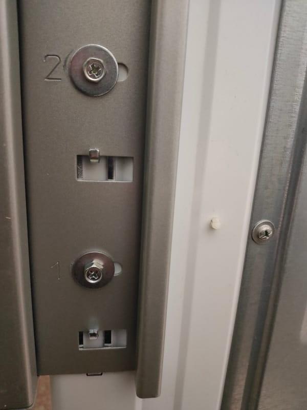 パナソニック_全自動洗濯機専用ユニット台_N-UD71_座金付きねじ(短)で支柱を取付