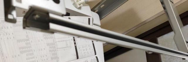 パナソニック_全自動洗濯機専用ユニット台_N-UD71_棚板に飾り板を取付01