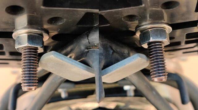 バイクのホムセン箱選び+取り付け&固定方法_ホムセン箱をSHAD底板へ固定_干渉はしていないが実はギリギリ