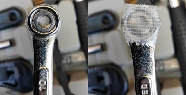 バイクのホムセン箱選び+取り付け&固定方法_リアキャリアとSHAD底版の固定_指が届かない所はレンチを一工夫